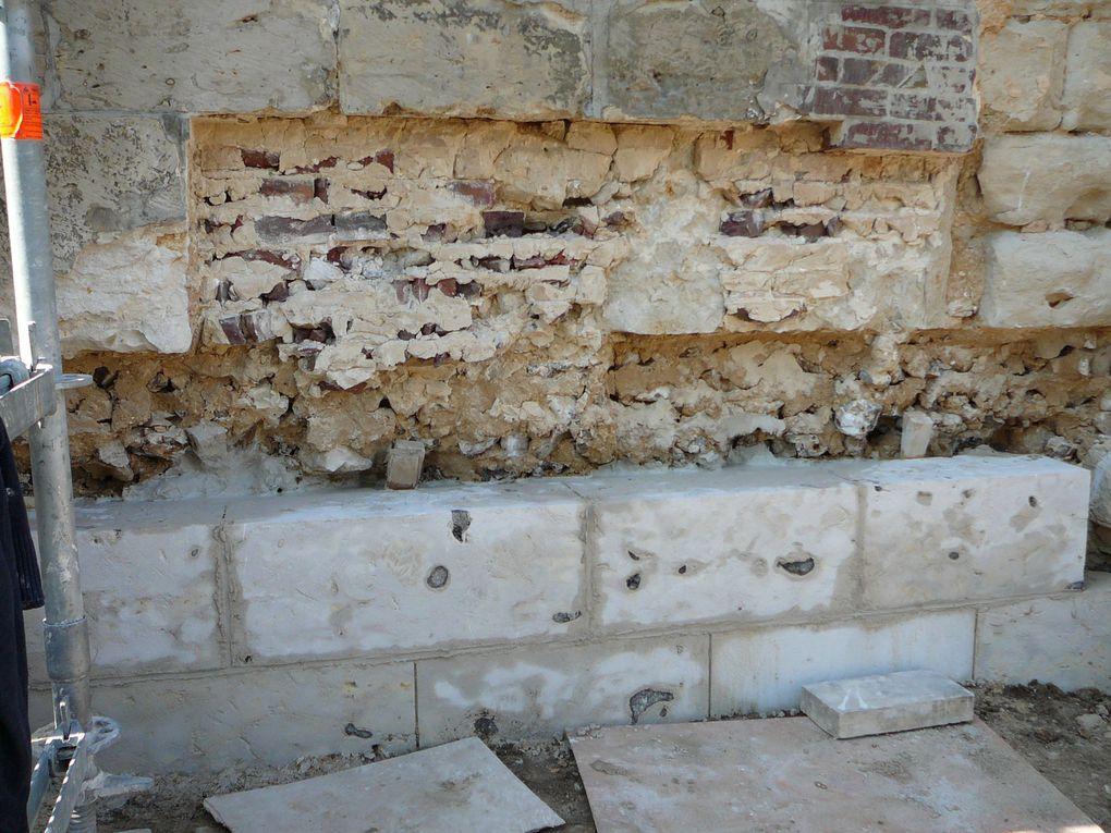 Le chantier extérieur : - Charpente, toiture - Clocher - Maçonnerie.  Les photos sont la propriété de Garennes Patrimoine. Crédits Photo : Evelyne Guyader-Debrabant, Henryk Dykas, John Beullens, Claude Salinas.