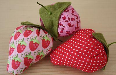 Des fraises en tissus ... LE TUTO