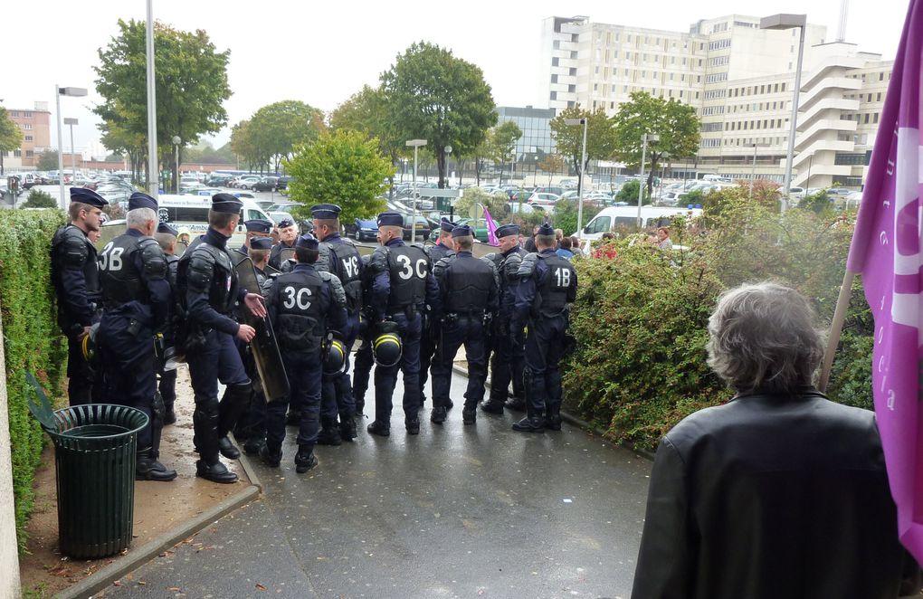 Visite de Mame Bachelot, Ministre des sports et de la grippe, au CHU de Caen le 27 septembre