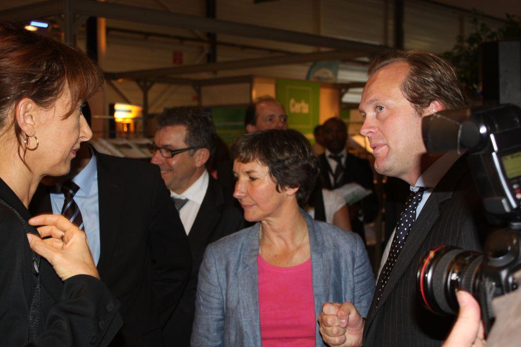 La FNTP au Salon des Solutions Techniques Territoriales, un événement organisé par le Pôle Salons&Congrès du Groupe Moniteur. La visite de Valérie FOURNEYRON, maire de ROUEN. Rouen 2-4 juin 2010. Photos: Emmanuel CRIVAT