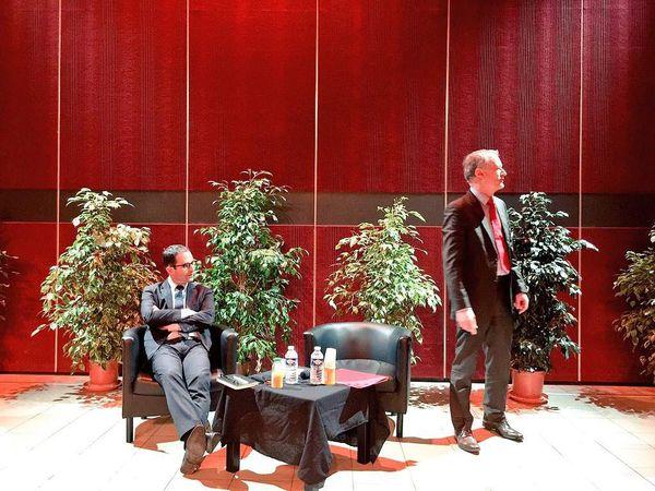 Débat public organisé par Jean-Pierre Blazy, député socialiste et maire de Gonesse, le lundi 1er février 2016 avec Benoît Hamon, député socialiste, sur les véritables priorités pour la dernière année du quinquennat