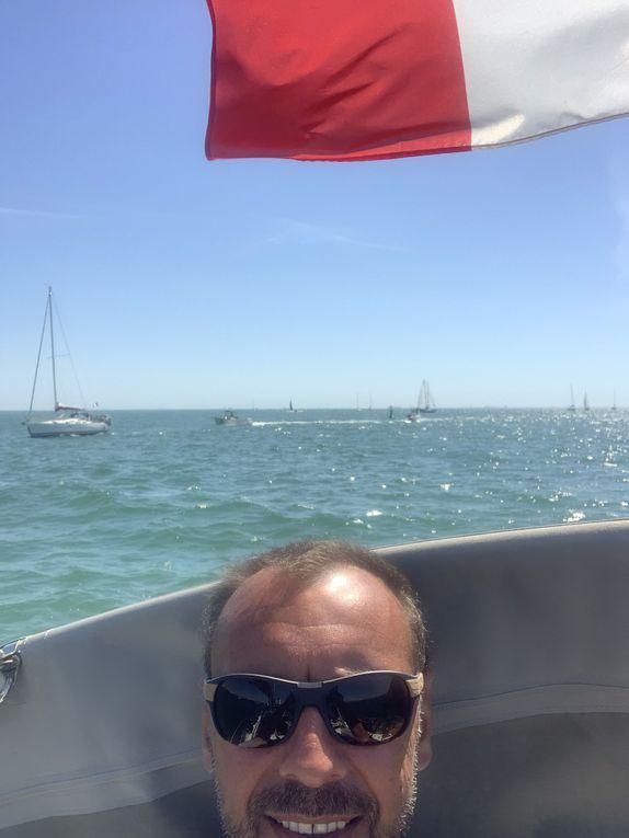Direction plein ouest avec nos amis Manu et Laure, 20 noeuds de vent au portant que du bonheur !
