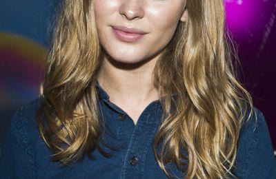Zara Larsson le portrait astro d'une jeune et sexy chanteuse très talentueuse