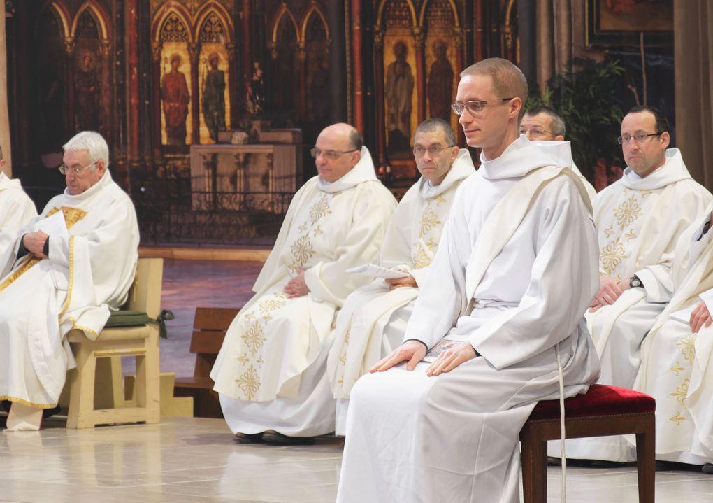 Photos de l'ordination sacerdotale de Maximim Cès le 1er mai 2018 à Bayonne