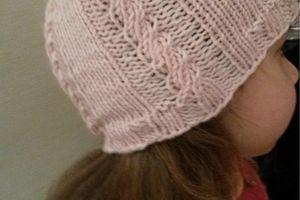 Tuto tricot facile : le bonnet de lutin à torsades