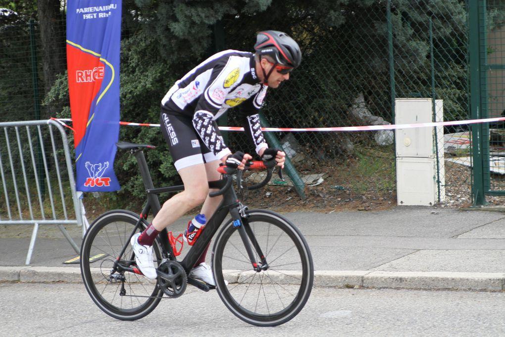 203 Cyclistes ont participé aux courses du 1er mai du VCMB