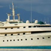 How Donald Trump bought the superyacht from James Bond before ordering the world's largest yacht! - Yachting Art Magazine