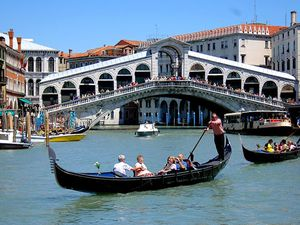 Le pont du Rialto, Venise.