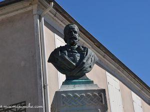 Le buste de Sisley.