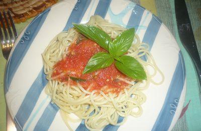 Sauce tomate à la tomate fraîche et au basilic :