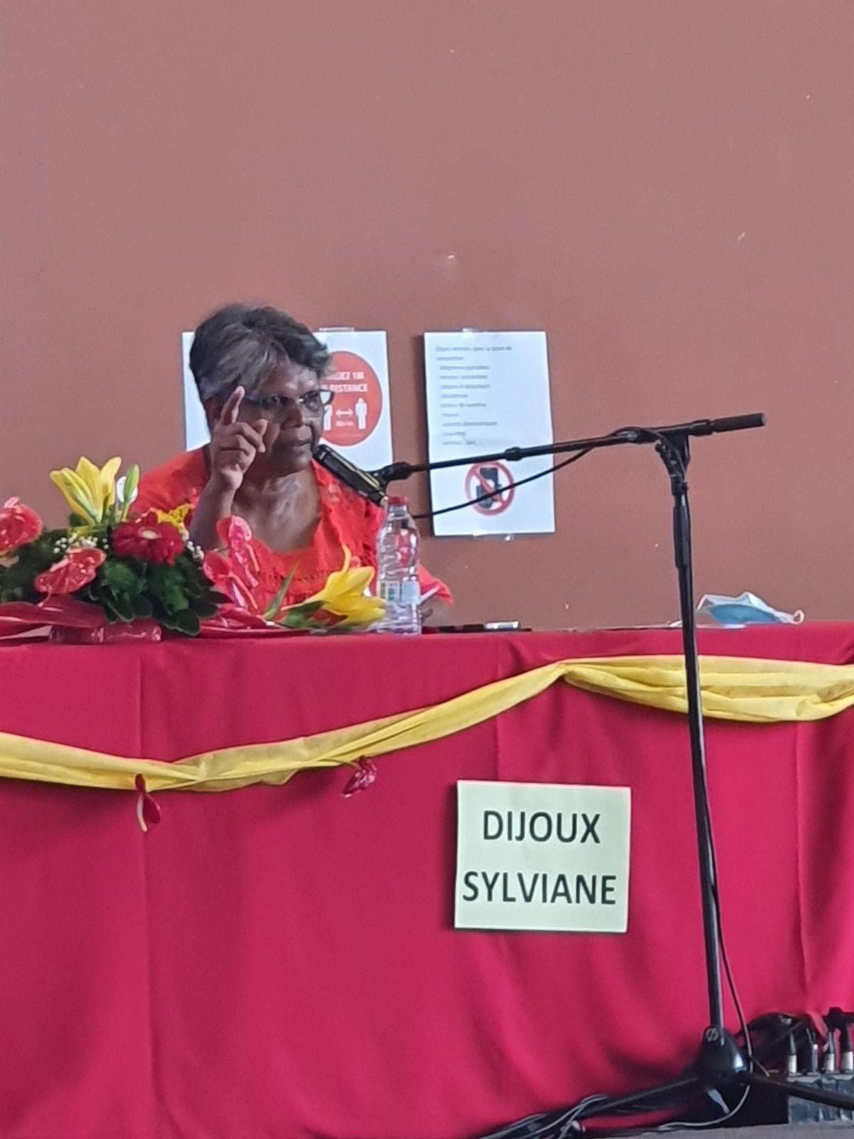 Modifications statutaires présenté par Sylviane DIJOUX