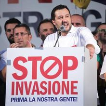 « MIGRANTS » : VIVE SALVINI, DÉFENSEUR DE L'ITALIE ET DE L'EUROPE CONTRE L'INVASION !