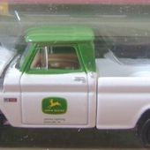 CHEVY PICK-UP 1964 JOHN DEERE JOHNNY LIGHTNING 1/64 LIMITED EDITION - car-collector