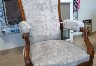 refection complete fauteuil voltaire arabesque tapissier decorateur thiers tissu CASAMANCE