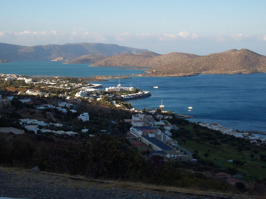 route vers Plaka et vue sur l'île Spinalonga ....