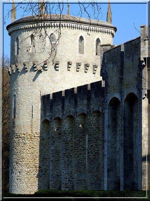 Diaporama château de CHATEAUGUILLAUME à Lignac