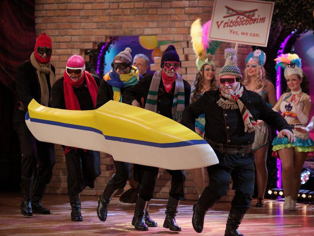 Originell gestalteten die Aktiven das rauschende Finale als Olymponiken für Brasilien verkleidet. Ihren Auftritt hatten hier auch Gardedmädchen der Veitshöchheimer Tanzsportgarde als Sambatänzerinnen.