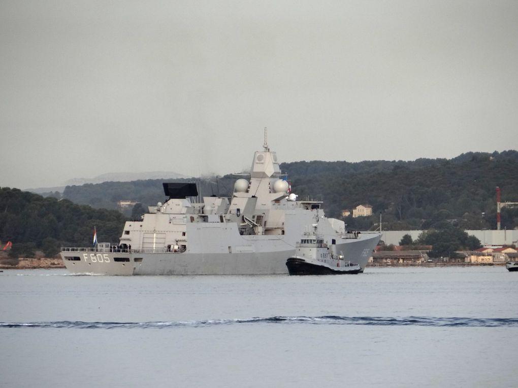 EVERTSEN  F805 , frégate de la marine royale néerlandaise appareillant de Toulon le  04 octobre 2017