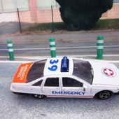 CHEVROLET CAPRICE EMERGENCY WELLY 1/64 - car-collector.net
