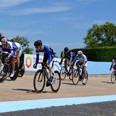 La piste a repris ses droits, dimanche à Descartes (37) - c'était la trente-deuxième édition du Trophée de la ville, comptant pour le championnat d'Indre et Loire (scratchs, keirins et courses aux points) - Organisation UV Descartes - + Résultats ...Les photos d'Amélie BARBOTIN - (Amélie BARBOTIN - Dominique POIRIER- La Nouvelle République - CRAC Touraine) - Les actus du cyclisme (2020)