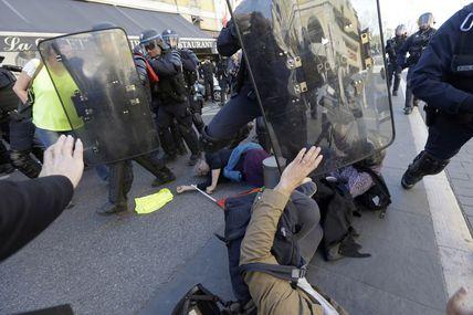 Dénoncer les violences policières devient un délit ?!