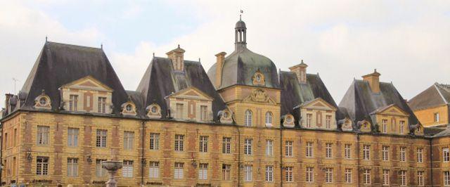 Charleville Mézières (08)