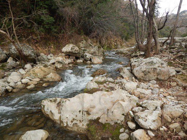 Au sud deux belles rivières .....