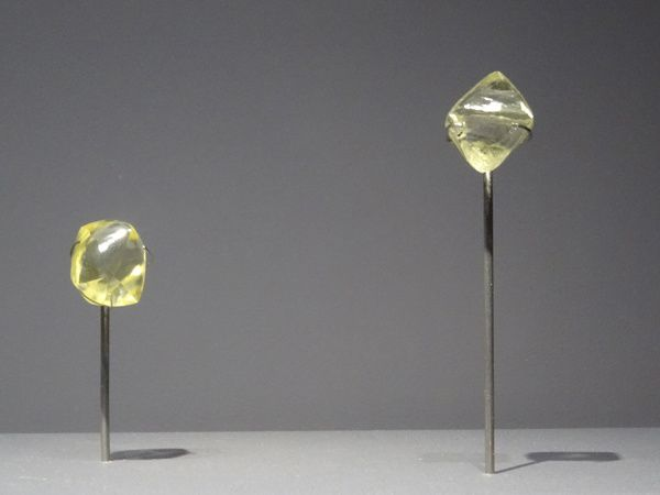 Corindon, diamant et zircon