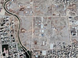 En haut, Zeynel Abidin, le quartier de Nusaybin qui jouxte la frontière syrienne, en janvier 2015 et en janvier 2017. En bas, quartier central en mai 2016 et juin 2017. Captures d'écran Google Earth (cliquer pour agrandir)
