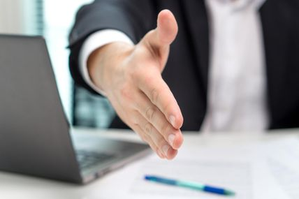Banque : serez-vous bientôt taxé sur l'argent de votre compte courant ?