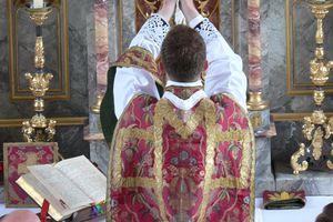 Le célibat sacerdotal ne pourra jamais être remis en question par l'Eglise catholique