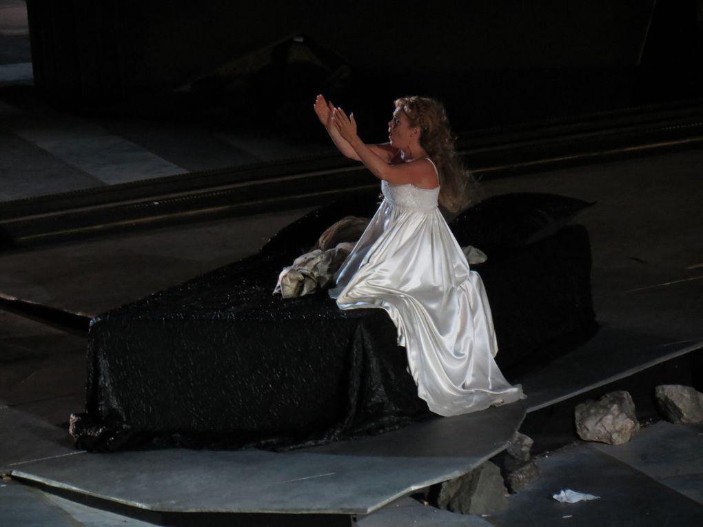 Otello opéra de Giuseppe Verdi au Chorégies d'Orange, 5 août 2014 Dessins et photos: M. et Em. presse, émergences semiotiques