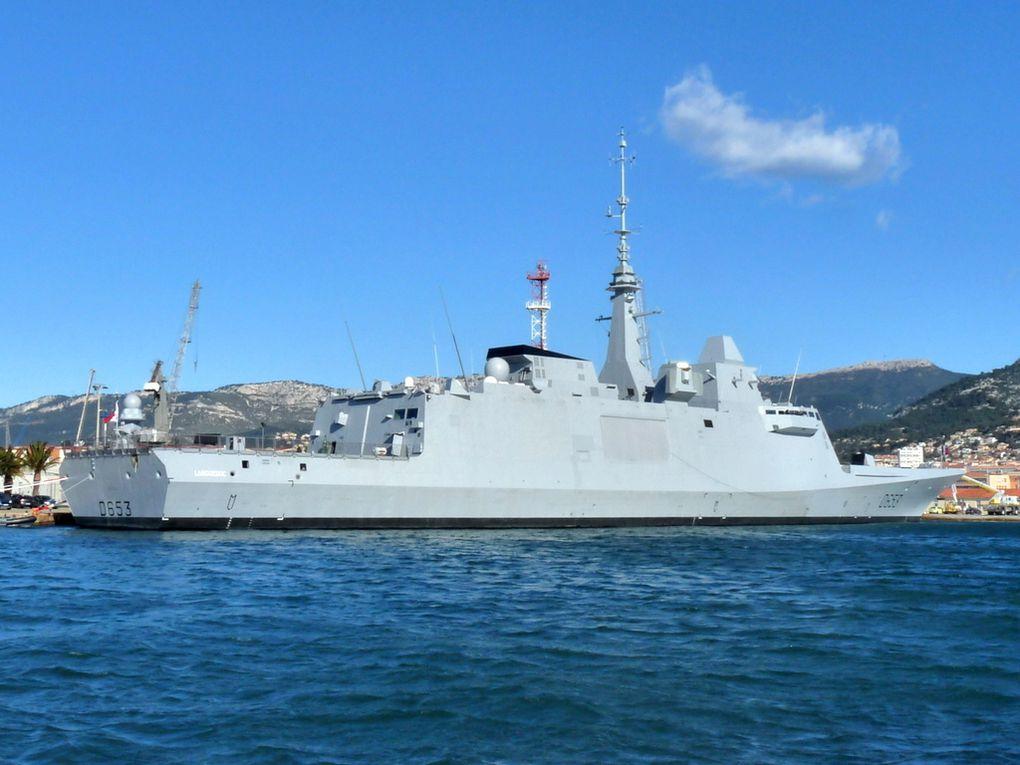 LANGUEDOC  D653 , Frégate européenne multi-missions (FREMM) à quai à Toulon le 08 mars 2016