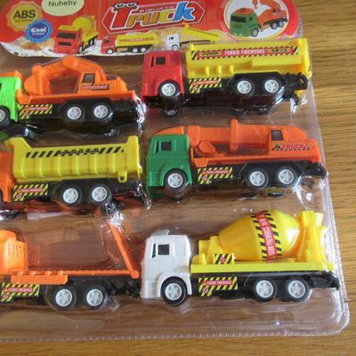 Trucks Krane Bagger und LKWs