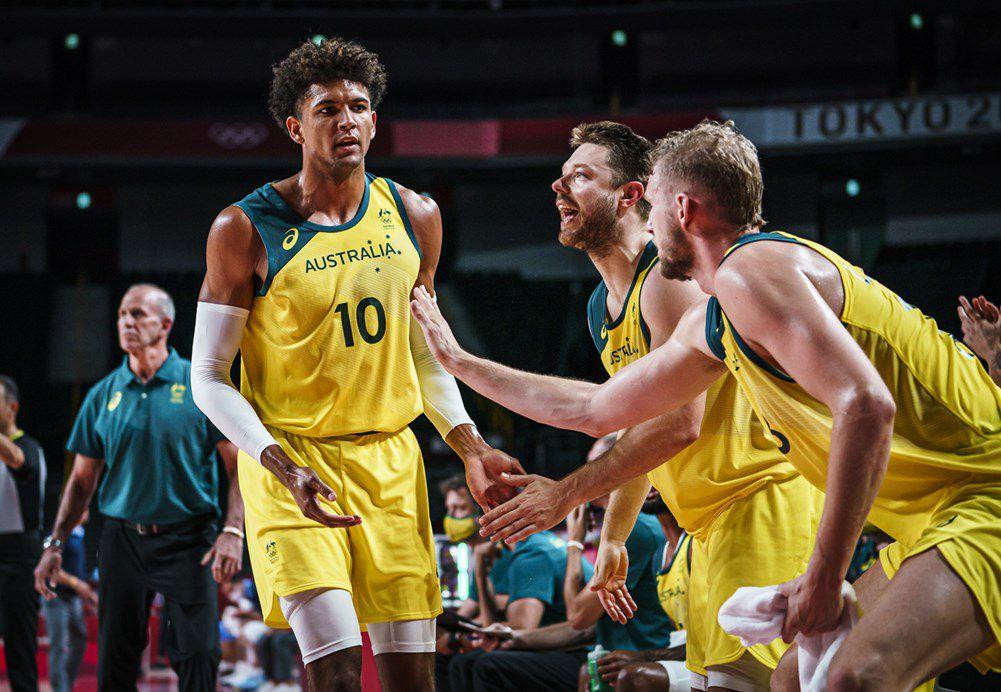 Jeux Olympiques : l'Australie explose l'Argentine et rejoint les États-Unis en demi-finale