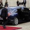 Départ de Sarkozy sous les sifflets : Un aller simple pour la poubelle de l'histoire