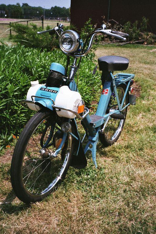 Photos of my blue 1977 4600 V3.