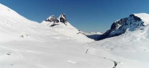 Norvège : une route dans la neige