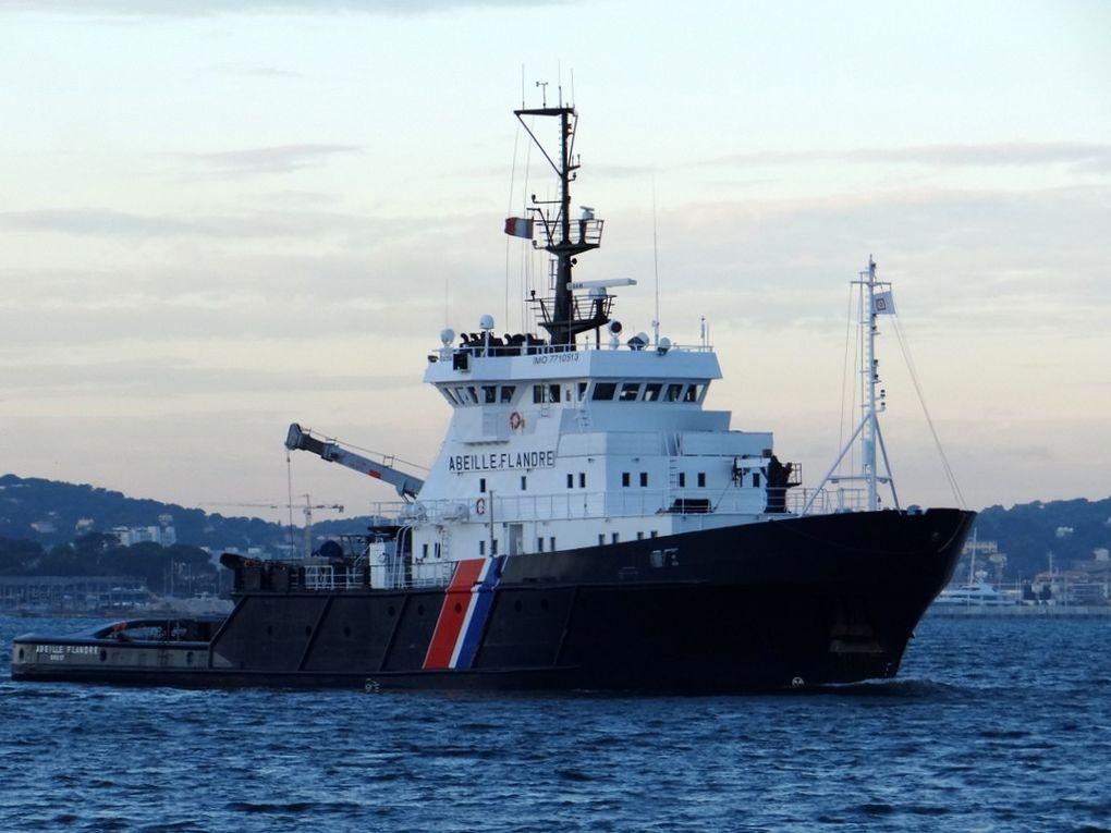 ABEILLE FRANDRE ,remorqueur d'intervention en haute mer (RIHM) arrivant à Toulon , le 08 11 2017