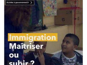 Captées le 28 octobre 2018, ces deux affiches sont sur la page twitter du gouvernement français