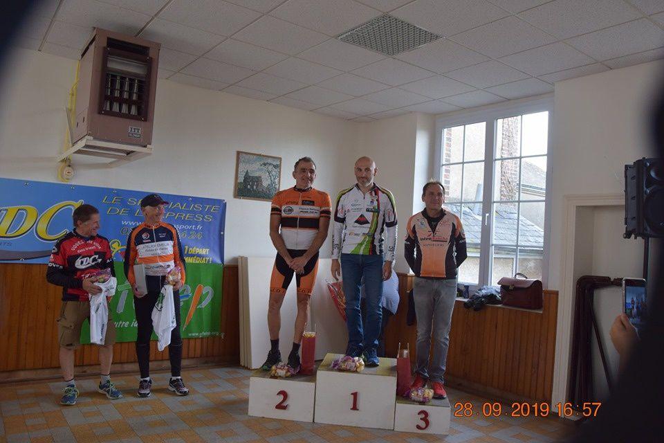 Les photos des podiums des courses UFOLEP de Fontrnay sur Conie (28)
