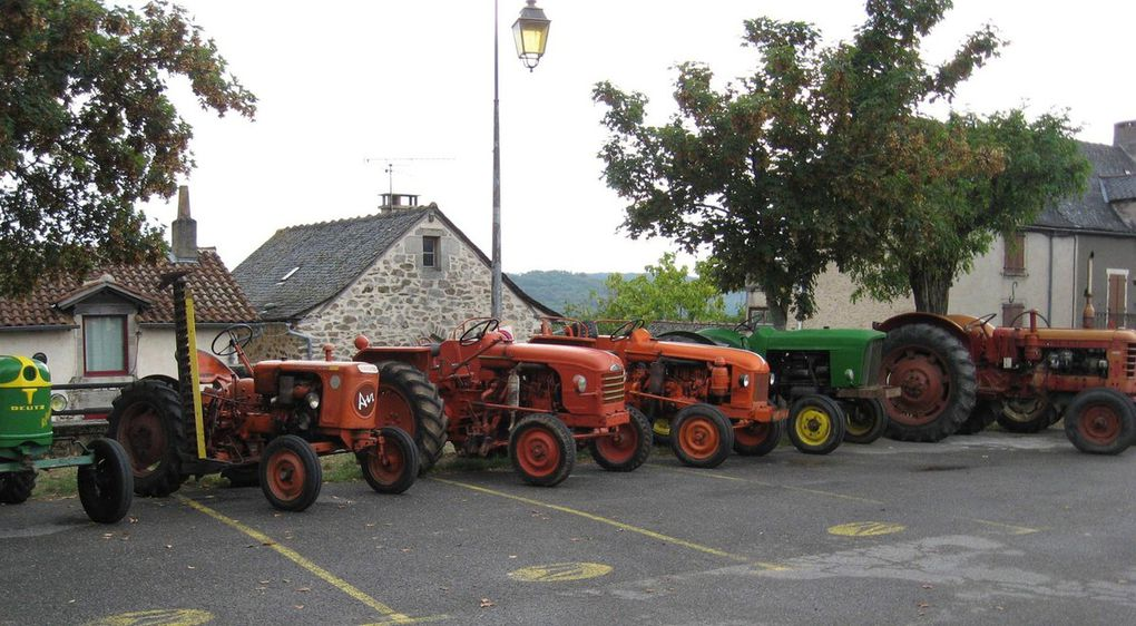 et des vieux tracteurs !!!