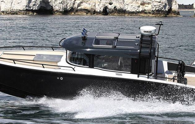Fiche bateau - XO Boats 270 Front Cabin, le pont qui fait la différence