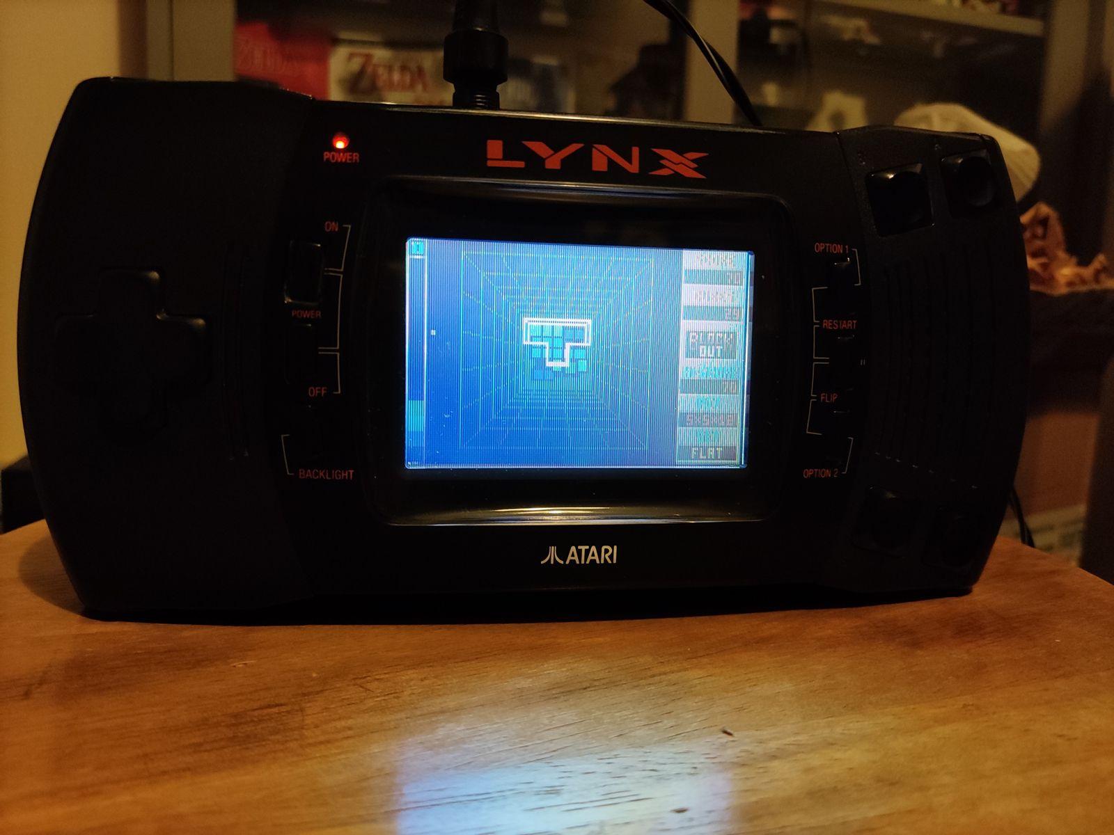 La console que j'ai acheté sur un groupe facebook avec le jeu Block Out (test de Joypad)