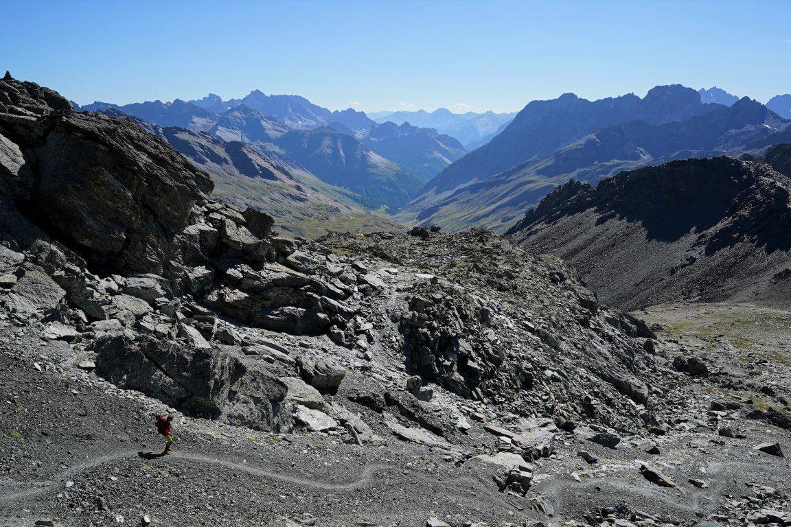 descente versant ouest au-dessus du col de la Noire et de la haute vallée de l'Ubaye