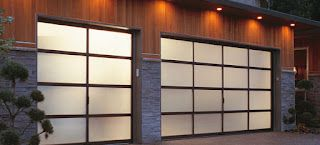 How professional garage door service deal with major garage door issues