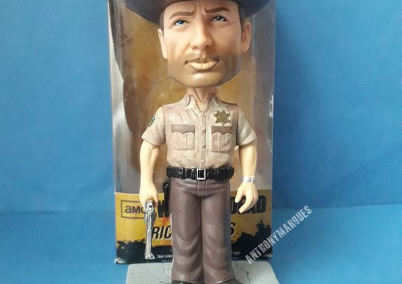 Rick Grimes Bobble Head Figure: Walking Dead x Wacky Wobbler Series by Funko
