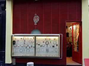 Création de bijoux : collier en labradorite.