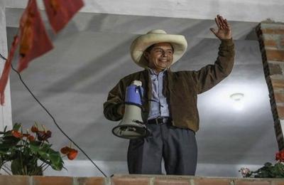 Castillo remporte les présidentielles péruviennes