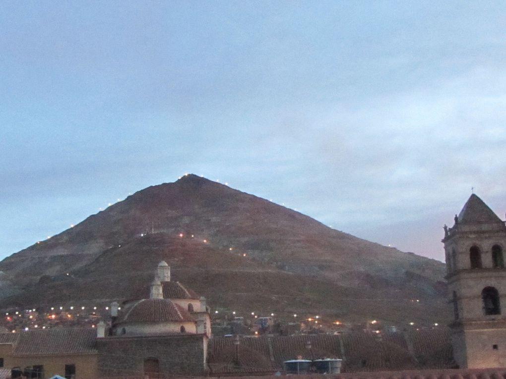 petit dej a Patacamaya, un aperçu de Potosi 4090 m (la ville de + de 100 000 H la plus haute du monde,le cerro rico toujours quelques 200 mines aujourd hui des milliers sous la colonisation espagnole
